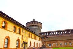 Milan Italien - Maj 03, 2017: Slotten för Sforza ` s i Milan Royaltyfria Foton