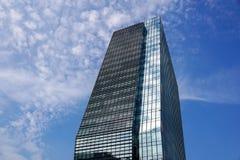 Milan Italien 04 mars 2018: Detaljer av byggnaderna som utgör den nya och moderna horisonten av staden av Milan _ Arkivbilder