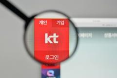 Milan Italien - November 1, 2017: KT Korea Telekom Corp logo på t Royaltyfria Bilder