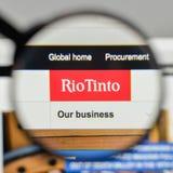 Milan Italien - November 1, 2017: Rio Tinto logo på websiteHet Royaltyfri Foto