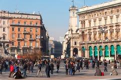 MILAN ITALIEN - NOVEMBER 10, 2016: Vittorio Emanuele Gallery och Piazza del Duomo i Milan, Italien Arkivbilder