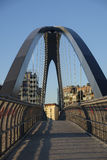 Milan Italien parkera i Portello område, bro Royaltyfri Fotografi
