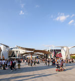 Milan Italien - 8th September, 2015 expo 2015 milan Decumano gata Royaltyfri Bild