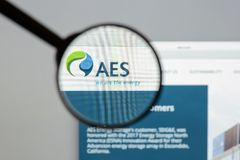 Milan, Italy - August 10, 2017: AES website homepage. It is a Fo. Rtune 200 company that generates and distributes electrical power. AES logo visible Royalty Free Stock Image