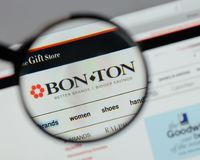 Milan, Italy - August 10, 2017: Bon-Ton Stores logo on the websi. Te homepage Royalty Free Stock Images