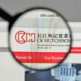 Milan, Italy - August 10, 2017: CK Hutchison Holdings logo on th. E website homepage Stock Photos