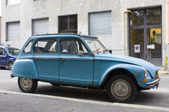 MILAN, ITALY-AUGUST 9, 2014: French motor car Citroen 2CVs Parked in the city Stock Photography