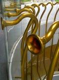 Milan Italy, a instalação da arte dos chifres do ouro no centro da cidade novo Imagem de Stock Royalty Free