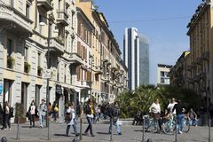 Milan, Corso Como, trendy pedestrian area situated between Piazza Gae Aulenti and Piazza XXV Aprile, Lombardy Italy stock photography