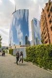 MILAN ITALY-MAY 13, 2017: panoramautsikt av det nya futuristiskt Royaltyfri Bild