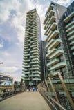 MILAN ITALY-MAY 13, 2017: panoramautsikt av det nya futuristiskt Royaltyfri Foto