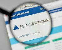 Milan, Italy - November 1, 2017: Iron Mountain logo on the websi. Te homepage stock image