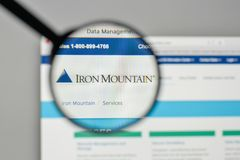 Milan, Italy - November 1, 2017: Iron Mountain logo on the websi. Te homepage royalty free stock photos