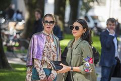 Fashionable girls at Milano Fashion Week Royalty Free Stock Images