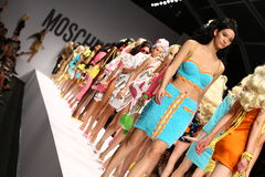 MILAN, ITALY - SEPTEMBER 18: Models walk the runway finale during the Moschino show Royalty Free Stock Photos