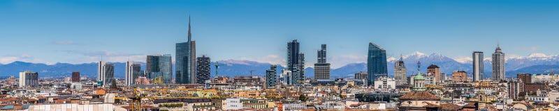 Milan Italy - sikt av ny horisont Royaltyfri Bild