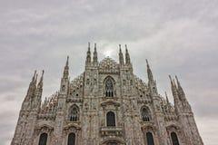 Milan, la façade de la cathédrale image libre de droits