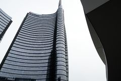 Milan, Lombardie, 9/6/2018 La tour d'Unicredit, le gratte-ciel le plus grand en Italie images libres de droits
