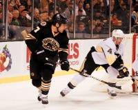 Milan Lucic, Boston Bruins en avant Images stock
