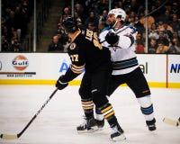 Milan Lucic Boston Bruins framåtriktat Arkivfoto