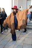 Milan, Milan, femmes façonnent l'hiver 2015 2016 d'automne de semaine Images stock
