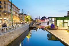 Milan nouveau Darsena, docks reconstruits le soir Photos libres de droits