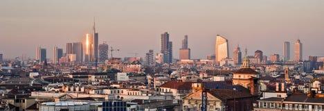 Milan, nouvel horizon 2013 au coucher du soleil  Images libres de droits