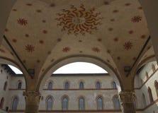 Milan Sforza Castle utomhus- takgarnering Royaltyfri Bild