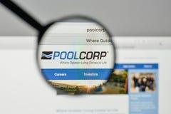 Milano, Italia - 1° novembre 2017: Logo di Pool Corp sul sito Web h fotografie stock