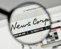 Milano, Italia - 1° novembre 2017: News Corp logo sul sito Web immagini stock