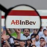 Milano, Italia - 10 agosto 2017: ABinBEv, Anheuser Busch in Bev l immagini stock libere da diritti