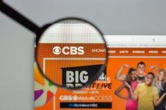Milano, Italia - 10 agosto 2017: Homepage del sito Web di CBS È A Fotografia Stock