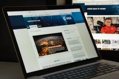 Milano, Italia - 10 agosto 2017: Homepage del sito Web di SEC È una i Fotografia Stock Libera da Diritti