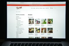 Milano, Italia - 10 agosto 2017: Homepage rosso del sito Web del mulino di Bob Immagine Stock
