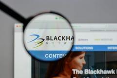 Milano, Italia - 10 agosto 2017: Logo delle tenute della rete di Blackhawk Fotografie Stock Libere da Diritti