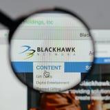 Milano, Italia - 10 agosto 2017: Logo delle tenute della rete di Blackhawk Fotografia Stock Libera da Diritti