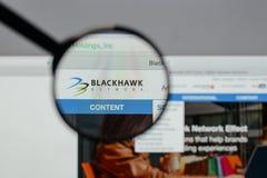 Milano, Italia - 10 agosto 2017: Logo delle tenute della rete di Blackhawk Fotografie Stock