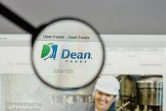 Milano, Italia - 10 agosto 2017: Logo di decano Foods sul sito Web h Immagini Stock Libere da Diritti