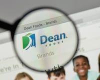 Milano, Italia - 10 agosto 2017: Logo di decano Foods sul sito Web h Fotografie Stock Libere da Diritti