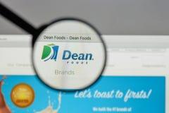 Milano, Italia - 10 agosto 2017: Logo di decano Foods sul sito Web h Fotografia Stock Libera da Diritti