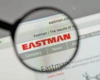 Milano, Italia - 10 agosto 2017: Logo di Eastman Chemical sul web fotografie stock libere da diritti