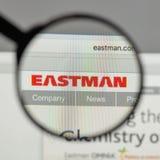 Milano, Italia - 10 agosto 2017: Logo di Eastman Chemical sul web fotografia stock