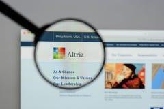 Milano, Italia - 10 agosto 2017: Sito Web del gruppo di Altria È A Immagini Stock Libere da Diritti