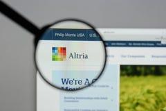 Milano, Italia - 10 agosto 2017: Sito Web del gruppo di Altria È A Fotografie Stock