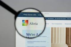 Milano, Italia - 10 agosto 2017: Sito Web del gruppo di Altria È A Immagini Stock
