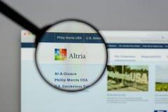 Milano, Italia - 10 agosto 2017: Sito Web del gruppo di Altria È A Fotografia Stock Libera da Diritti