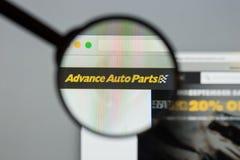 Milano, Italia - 10 agosto 2017: Sito Web di avanzamento dei ricambi auto L'IT Immagine Stock Libera da Diritti