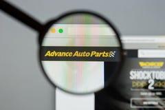 Milano, Italia - 10 agosto 2017: Sito Web di avanzamento dei ricambi auto L'IT Immagine Stock