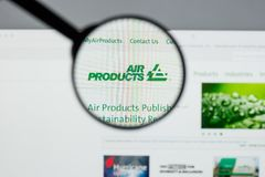 Milano, Italia - 10 agosto 2017: Websit di Air Products & Chemicals immagine stock