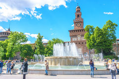 Milano, Italia - 28 aprile 2017: La torre principale b del castello di Sforzesco Fotografia Stock